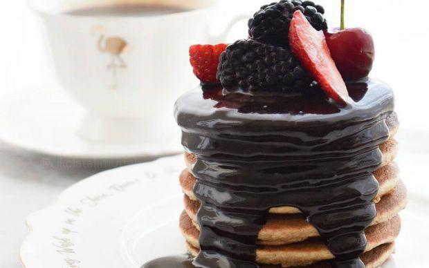 https://yemek.com/tarif/cikolata-soslu-fit-pankek/   Çikolata Soslu Fit Pankek Tarifi