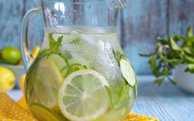 limonlu-naneli-su-nasil-yapilir