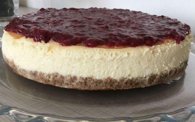 orman-meyveli-cheesecake-esra