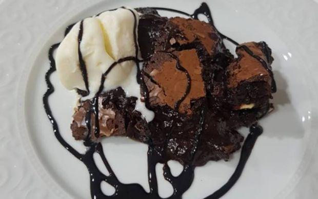 beyaz-cikolatali-brownie-ruyasi-tarifi