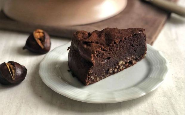 glutensiz-kestaneli-cikolatali-kek-tarifi