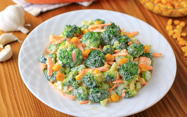 https://yemek.com/tarif/havuclu-brokoli-salatasi/   Havuçlu Brokoli Salatası Tarifi