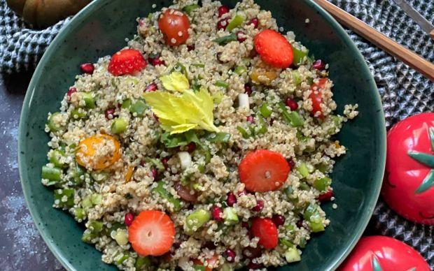 kisir-tadinda-kinoa-salatasi-tarifi