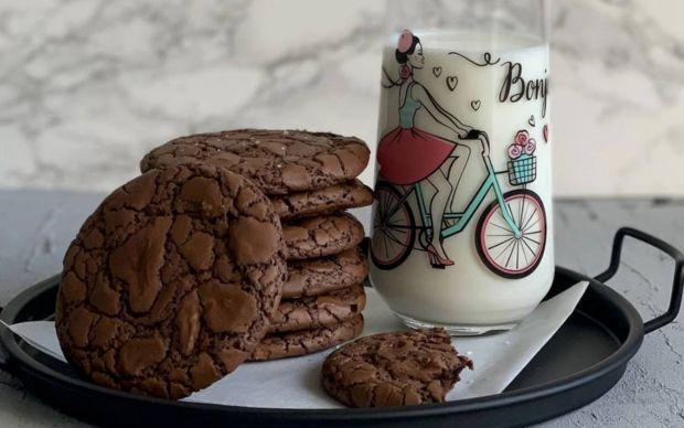 bol-cikolatali-brownie-kurabiye-tarifi