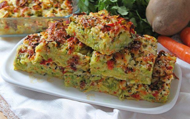 https://yemek.com/tarif/borek-tadinda-sebzeli-firin-mucver/ | Börek Tadında Sebzeli Fırın Mücver Tarifi