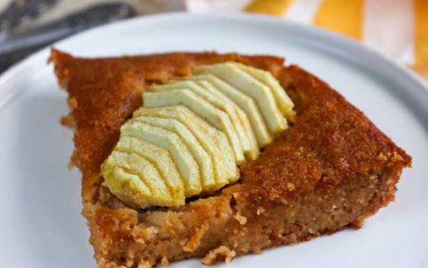 cennet-hurmali-elmali-glutensiz-kek