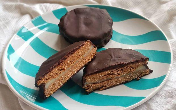 cikolata-kapli-fit-biskuvi-tarifi