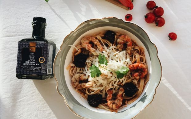 domates-soslu-karidesli-makarna-sumeyye