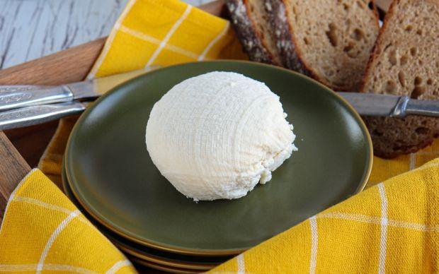 ev-yapimi-ricotta-peyniri-tria