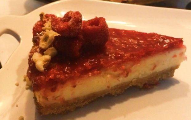 frambuazli-cheesecake-2-tarifi-gamzeli