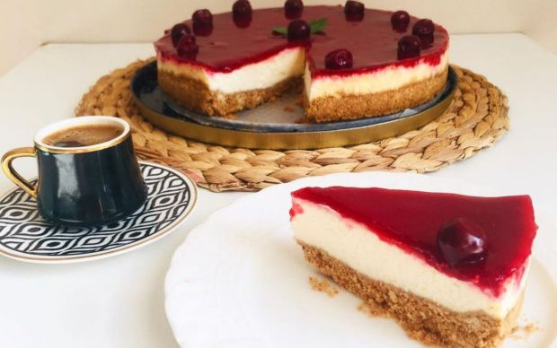 https://yemek.com/tarif/visneli-cheesecake-9/   Vişneli Cheesecake Tarifi