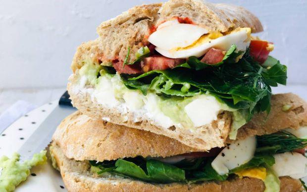 avokado-soslu-sandvic-2-tarifi-yoncalisius