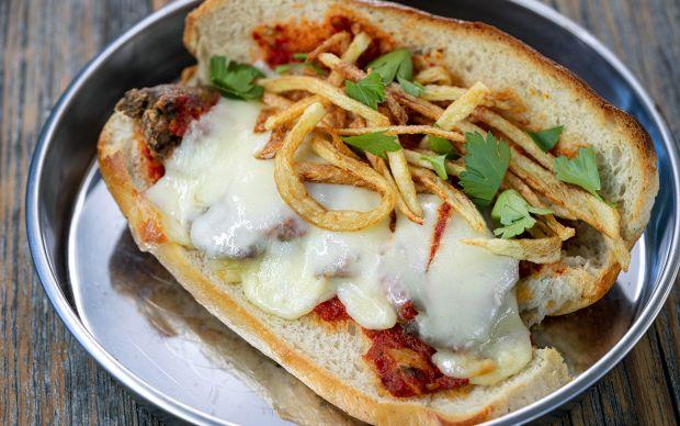 bby-tavuk-ciger-sandvic-yemekcom