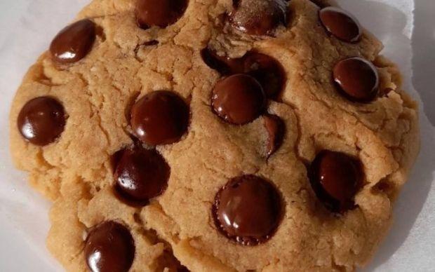 mikrodalgada-cikolata-parcali-kurabiye-tarifi