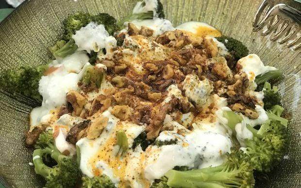 yogurtlu-cevizli-brokoli-salatasi-tarifi