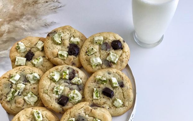 beyaz-cikolatali-kurabiye-rukiye