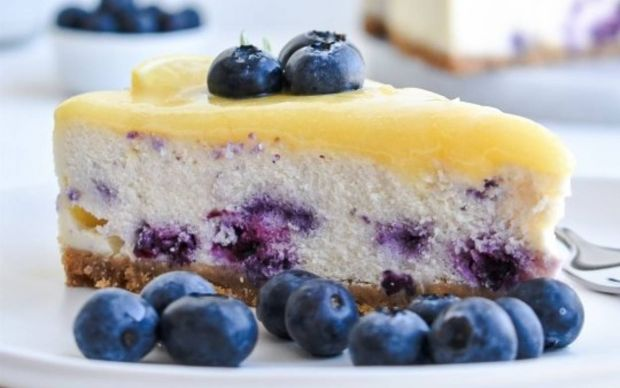 yaban-mersinli-limonlu-cheesecake-tarifi