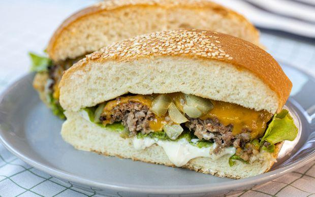 yasemin-cheeseburger-yemekcom
