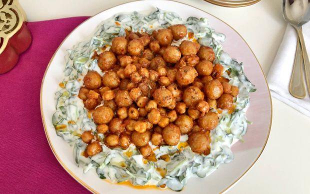 nohutlu-bulgur-kofteli-semizotu-salatasi-tarifi