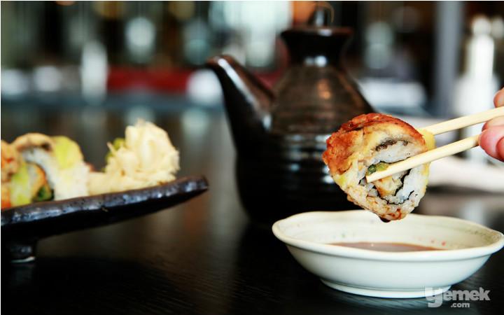 sushi-aciktiran-yiyecekler-manset