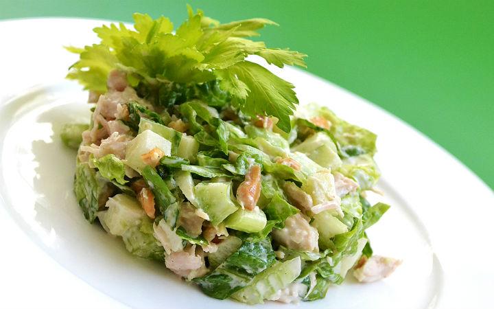 Yeşil Elmalı Tavuk Salatası Tarifi