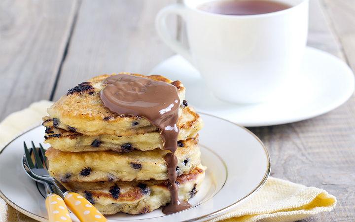 Elma Püreli Çikolatalı Pancake