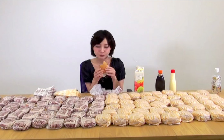 100-hamburger-yiyen-japon-kiz