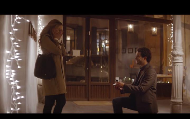 romantik-sakiz-reklami