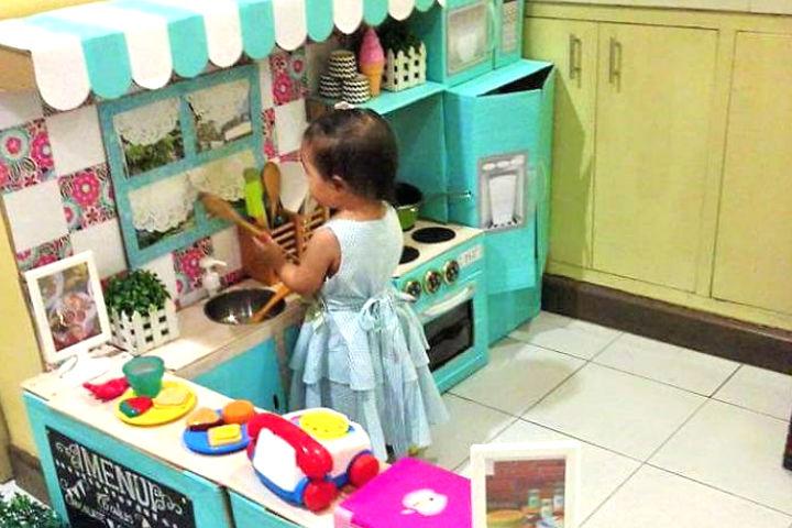 kutulardan-oyuncak-mutfak-yapimi-manset