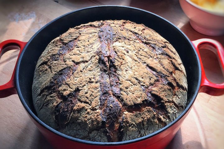 Döküm Tencerede Çavdar Ekmeği Tarifi