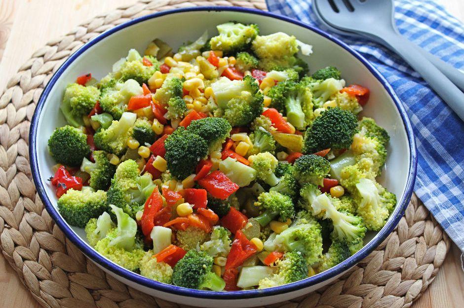 https://yemek.com/tarif/brokoli-salatasi/ | Brokoli Salatası Tarifi