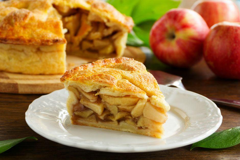 https://yemek.com/tarif/elmali-pasta/ | Elmalı Pasta Tarifi