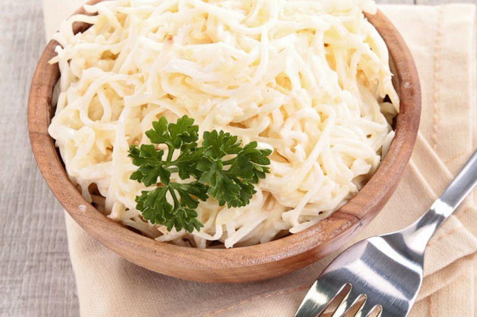 https://yemek.com/tarif/kereviz-salatasi/ | Kereviz Salatası Tarifi