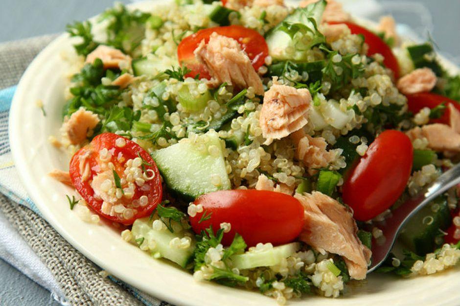 Ton Balıklı Kinoa Salatası