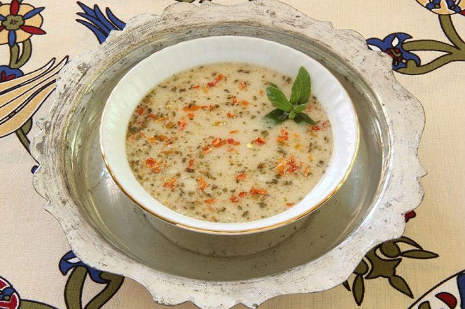 https://yemek.com/tarif/yogurt-corbasi/ | Yoğurt Çorbası Tarifi