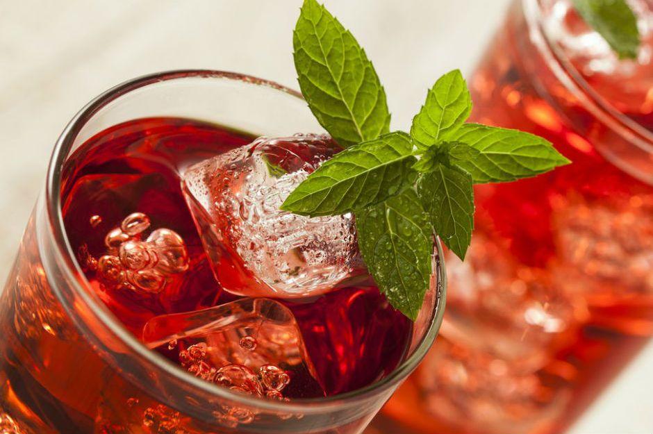 Çilekli Buzlu Çay