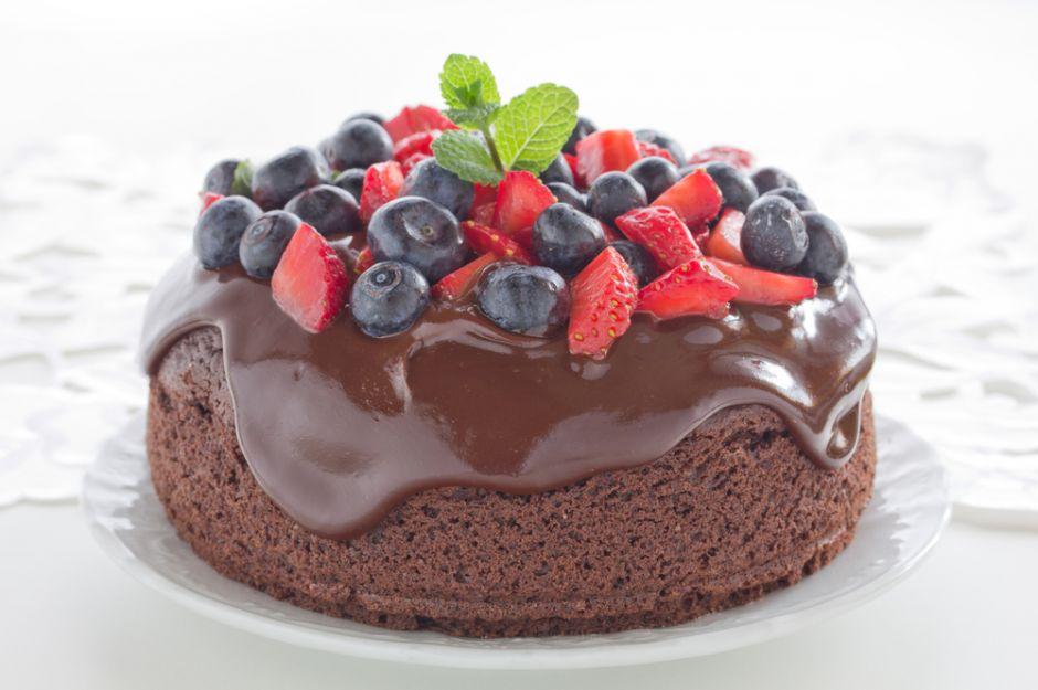 http://yemek.com/tarif/cikolatali-kek/ | Çikolatalı Kek Tarifi