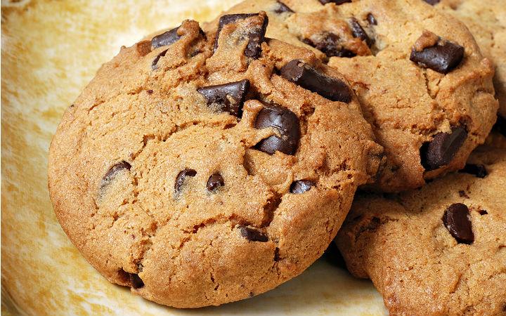 https://yemek.com/tarif/damla-cikolatali-kurabiye | Damla Çikolatalı Kurabiye Tarifi