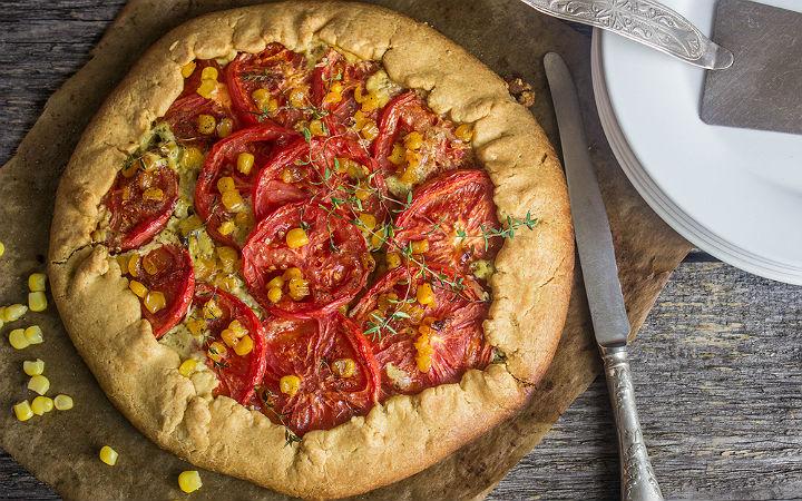 https://yemek.com/tarif/domatesli-misirli-tart/#.V5uDariLTIU | Domatesli Mısırlı Tart