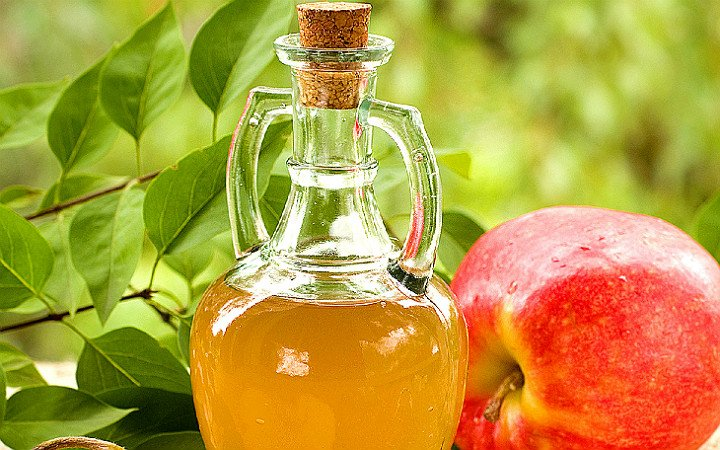 http://chefronlock.com/recipes/home-made-apple-cider-vinegar/ | chefronlock
