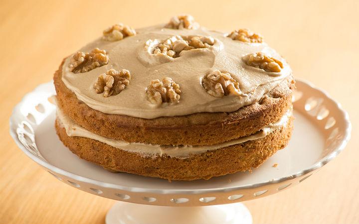 https://yemek.com/tarif/tahin-kremali-kek/ | tahin kremalı kek