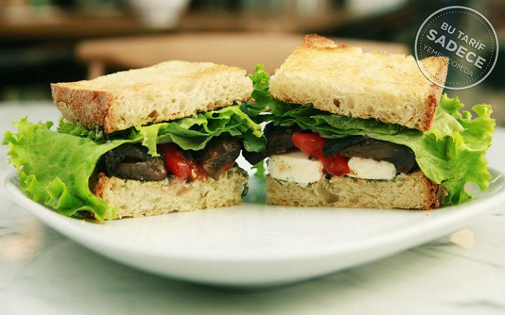 Kestane Mantarlı, Keçi Peynirli Sandviç