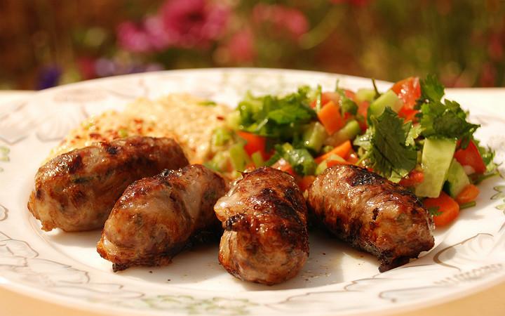 http://www.gurmerehberi.com/tarifler/yemek-tarifleri/et-yemekleri/kebaplar/seftali-kebabi/ | gurmerehberi