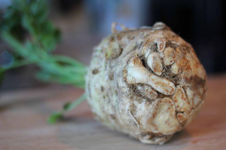 http://eatandrelish.com/2011/11/21/mashed-potato-remix-celery-root-puree-with-fresh-basil-thyme/ | eatandrelish - kerevizin faydaları nelerdir