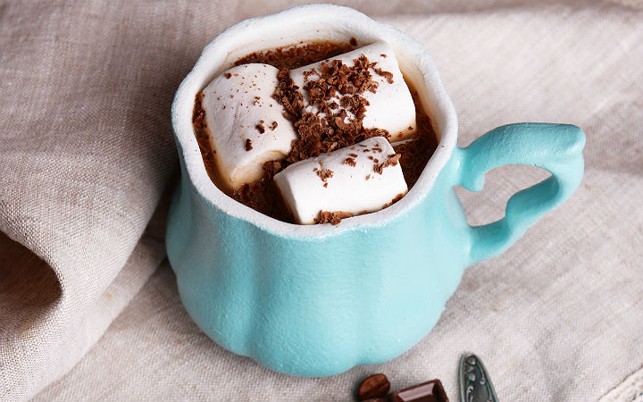 https://yemek.com/tarif/marshmallowlu-sicak-cikolata | Marshmallowlu Sıcak Çikolata Tarifi