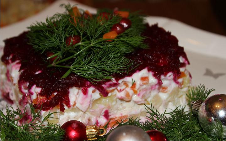 http://yemek.com/tarif/suba-salatasi/#.WCyNqPmLTIU | Suba Salatası Tarifi