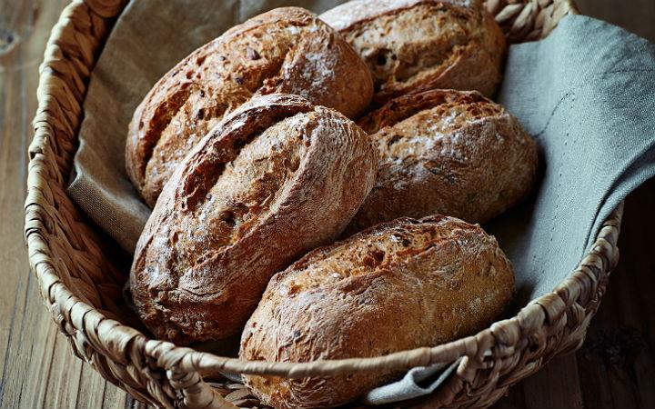 http://yemek.com/tarif/tahilli-ekmek/   Tam Tahıllı Ekmek Tarifi