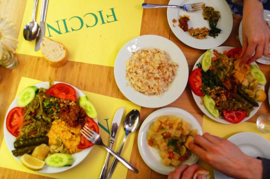 http://www.fritzhaeg.com/wikidiary/2011/04/05/on-april-5th-2011-ficcin-and-helvetia-lokanta/2011-04-05-p1200327/ | fritzhaeg - fıccın - vejetaryen yemekleri