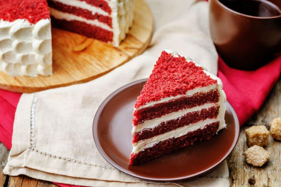 Red Velvet (Kadife Dokulu, Kırmızı) Pasta