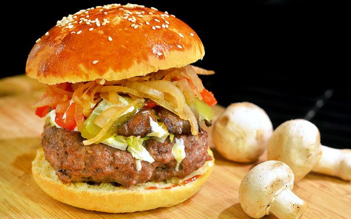 https://yemek.com/tarif/ev-yapimi-hamburger-ekmegi/ | Ev Yapımı Hamburger Ekmeği